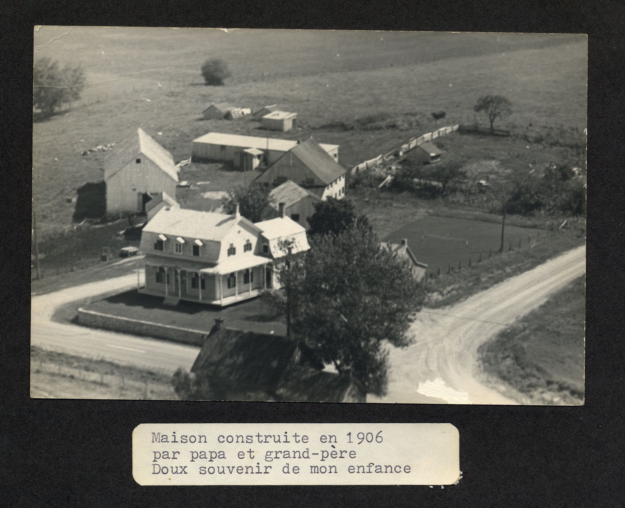 inscripton de marguerite boucher concernant cette photo maison ...